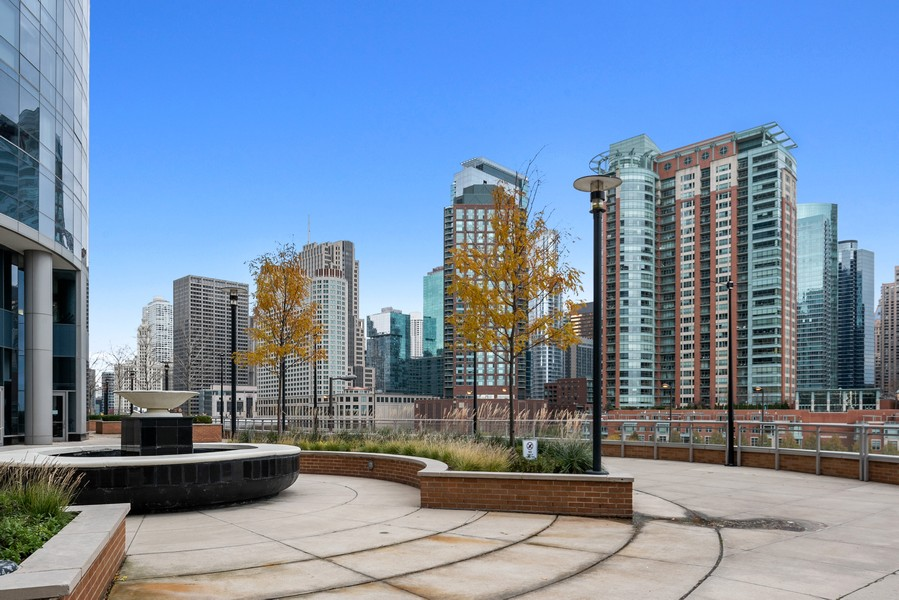 Real Estate Photography - 420 East Waterside Dr, 1403, Chicago, IL, 60601 - Courtyard