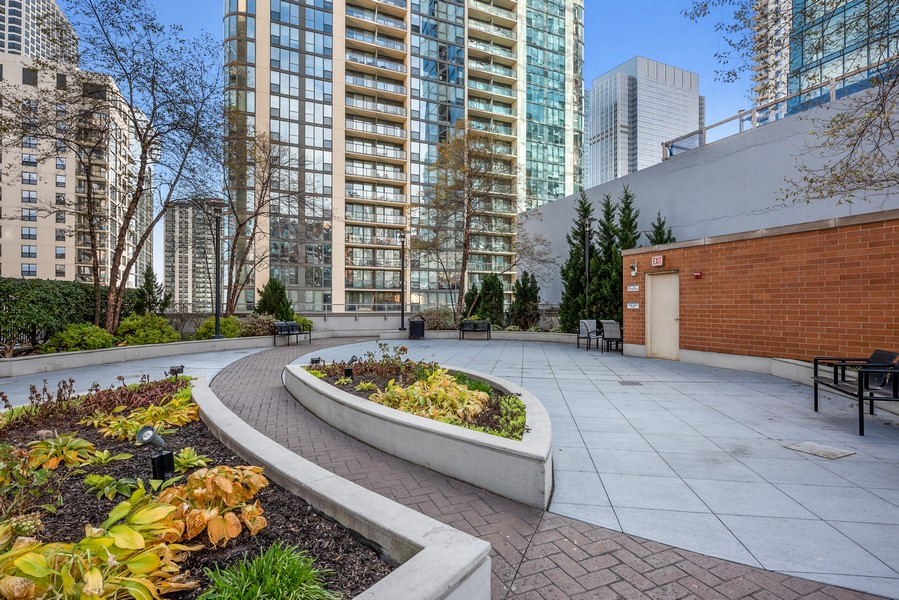 Real Estate Photography - 420 East Waterside Dr, 1403, Chicago, IL, 60601 - Common Sundeck