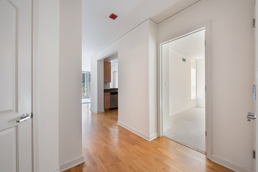 Real Estate Photography - 420 East Waterside Dr, 1403, Chicago, IL, 60601 - Foyer