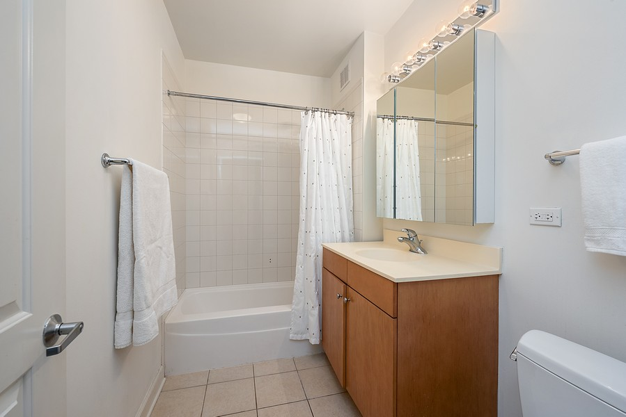 Real Estate Photography - 420 East Waterside Dr, 1403, Chicago, IL, 60601 - 2nd Bathroom