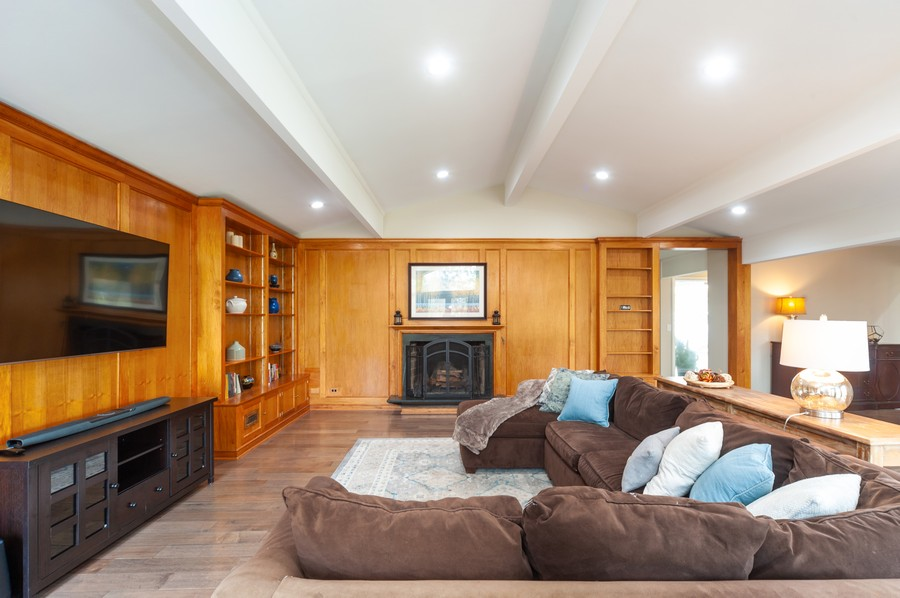 Real Estate Photography - 1555 Tower Rd, Winnetka, IL, 60093 - Living Room