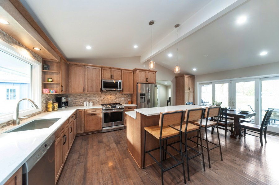 Real Estate Photography - 1555 Tower Rd, Winnetka, IL, 60093 - Kitchen / Eat-In Area