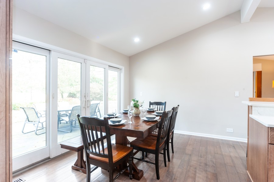Real Estate Photography - 1555 Tower Rd, Winnetka, IL, 60093 - Kitchen Eat-In Area / Patio View
