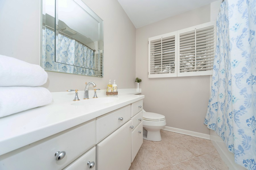 Real Estate Photography - 1555 Tower Rd, Winnetka, IL, 60093 - Hall Bathroom