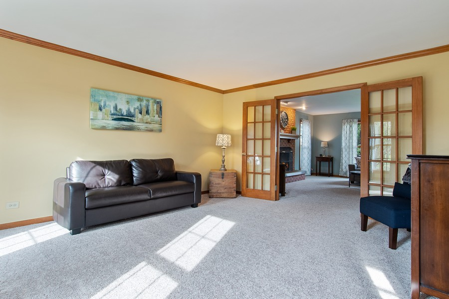 Real Estate Photography - 2611 Partlow Dr, Naperville, IL, 60564 - Living Room