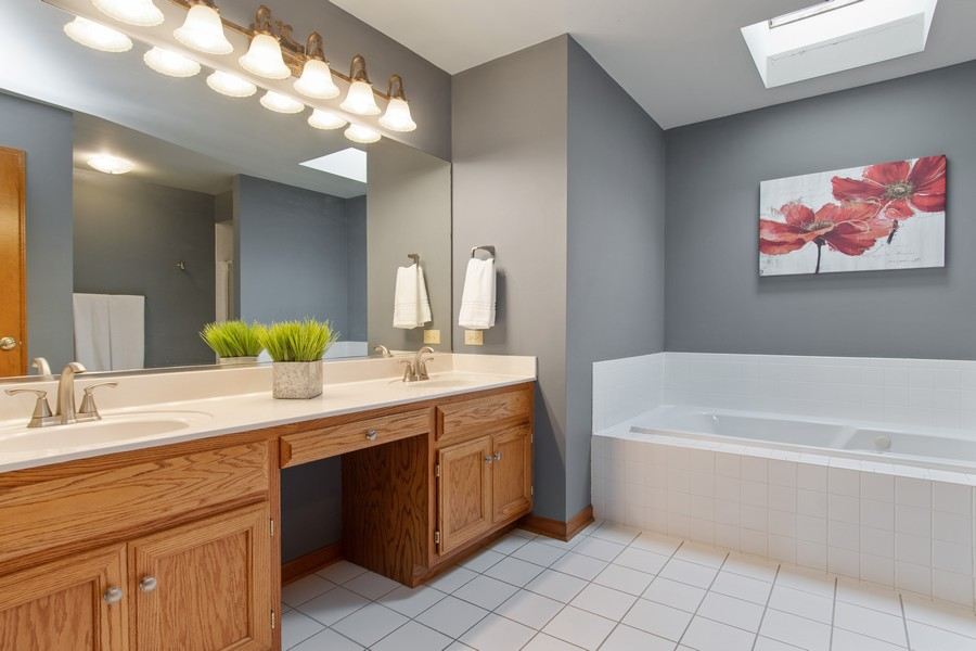 Real Estate Photography - 2611 Partlow Dr, Naperville, IL, 60564 - Master Bathroom
