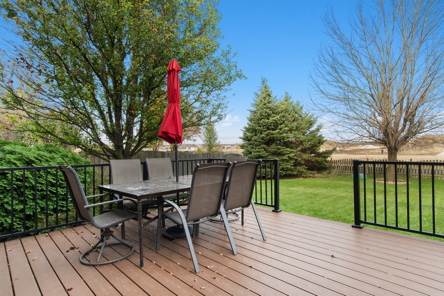 Real Estate Photography - 2611 Partlow Dr, Naperville, IL, 60564 - Deck