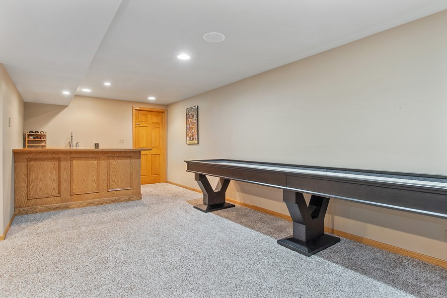 Real Estate Photography - 2611 Partlow Dr, Naperville, IL, 60564 - Bar