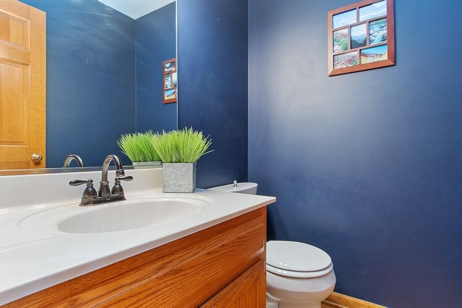 Real Estate Photography - 2611 Partlow Dr, Naperville, IL, 60564 - Half Bath