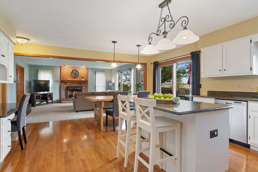 Real Estate Photography - 2611 Partlow Dr, Naperville, IL, 60564 - Family Room / Kitchen