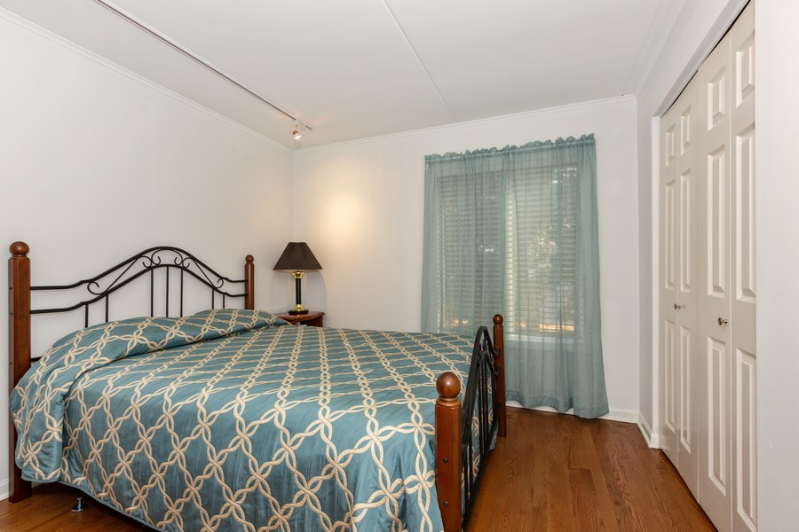 Real Estate Photography - 29 East Parliament Dr, 29, Palos Heights, IL, 60463 - 2nd Bedroom