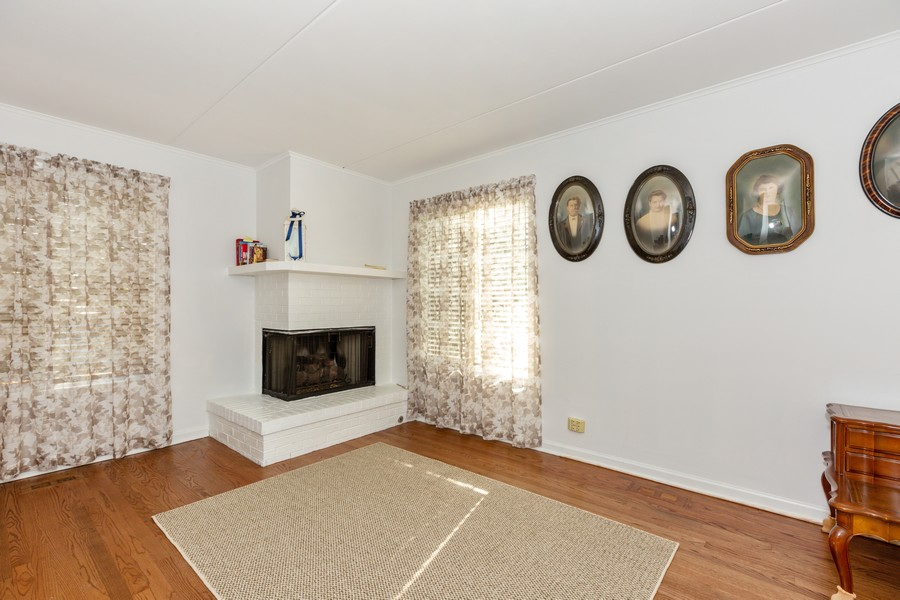 Real Estate Photography - 29 East Parliament Dr, 29, Palos Heights, IL, 60463 - Bedroom