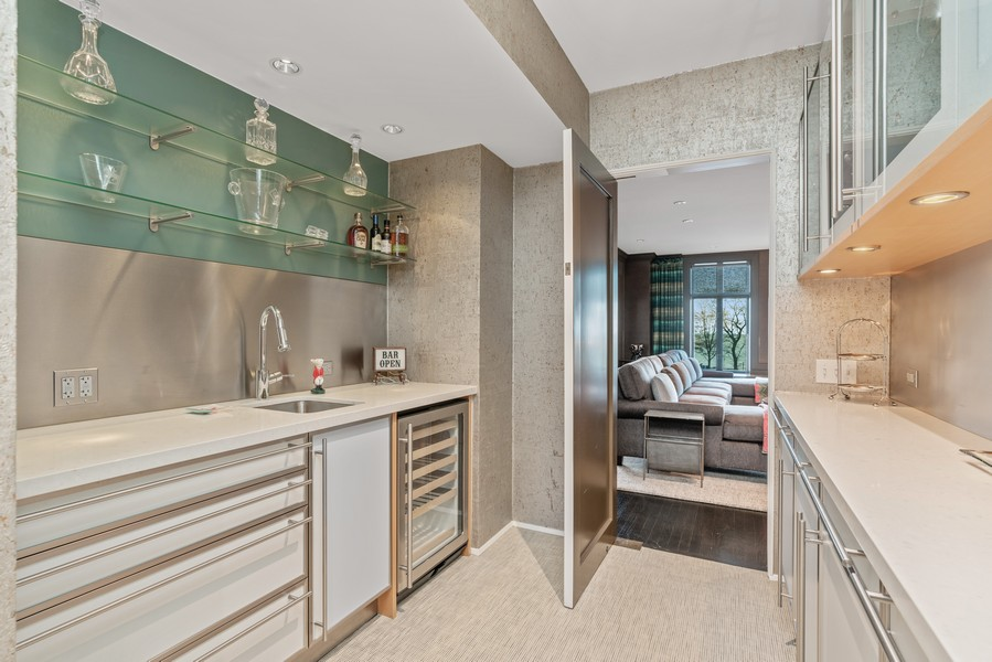 Real Estate Photography - 1540 North Lake Shore Dr, 3S, Chicago, IL, 60610 - Butler's pantry