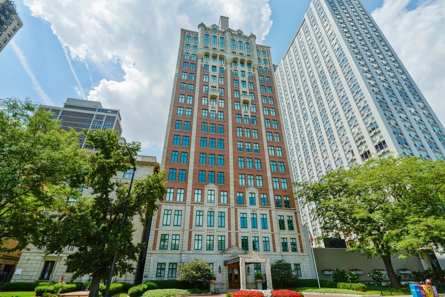 Real Estate Photography - 1540 North Lake Shore Dr, 3S, Chicago, IL, 60610 -