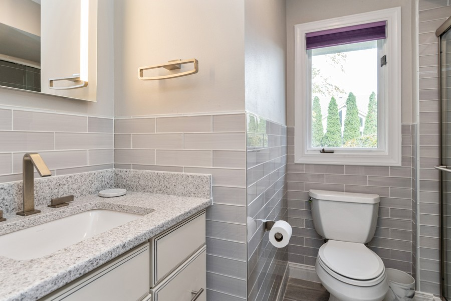 Real Estate Photography - 1165 Ancient Oaks Ct, Bartlett, IL, 60103 - 3rd Bathroom