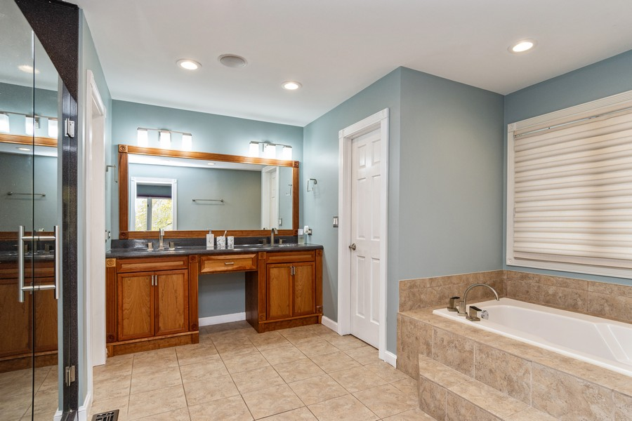Real Estate Photography - 1165 Ancient Oaks Ct, Bartlett, IL, 60103 - Master Bathroom