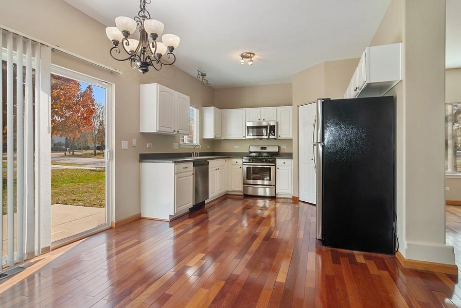 Real Estate Photography - 1884 Royal Ln, Aurora, IL, 60503 - Kitchen / Breakfast Room