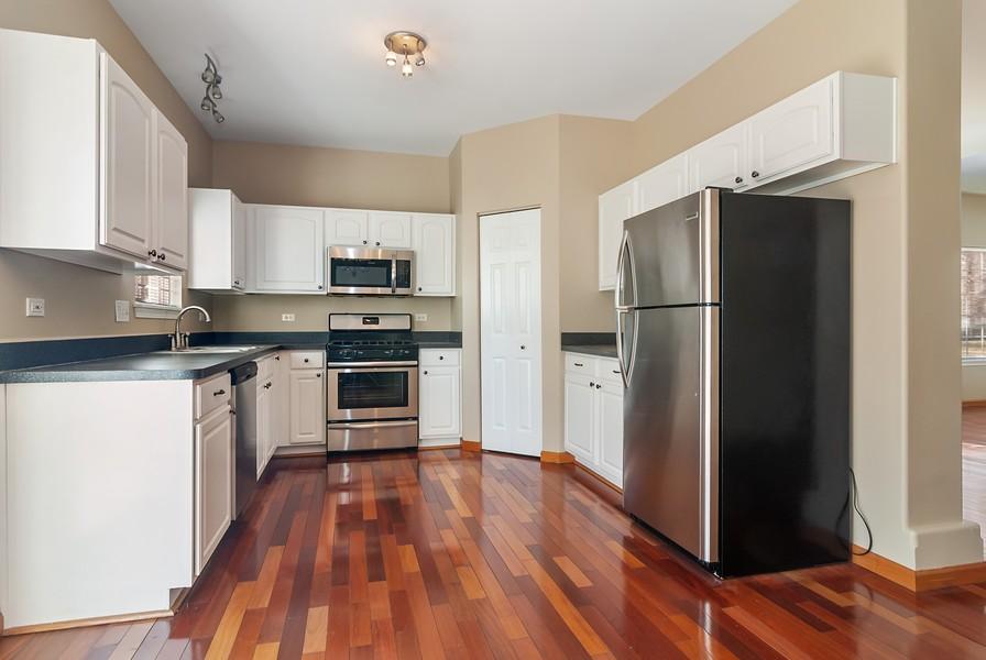 Real Estate Photography - 1884 Royal Ln, Aurora, IL, 60503 - Kitchen