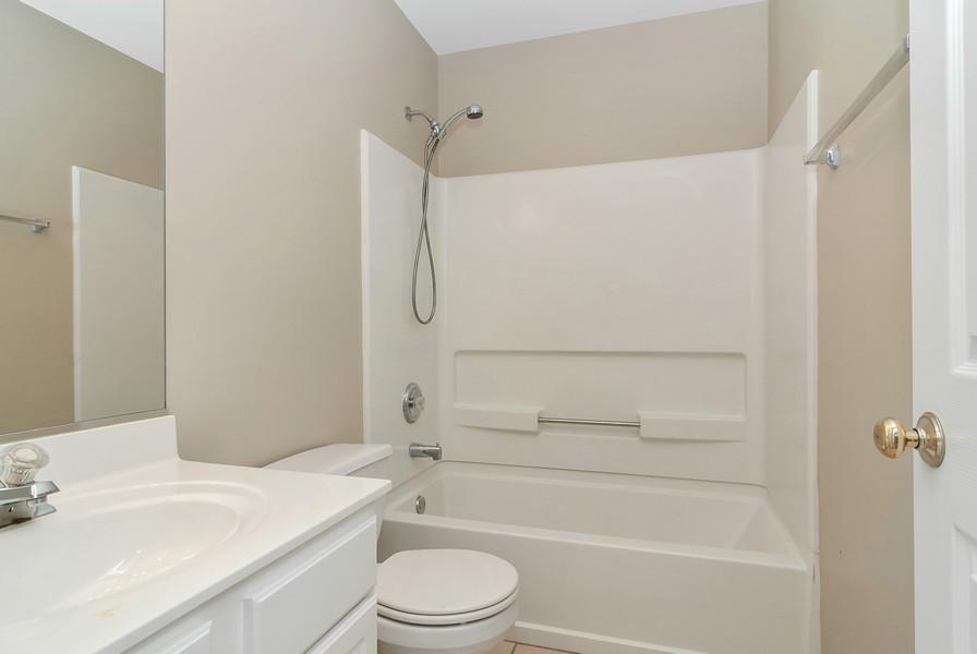 Real Estate Photography - 1884 Royal Ln, Aurora, IL, 60503 - 2nd Bathroom
