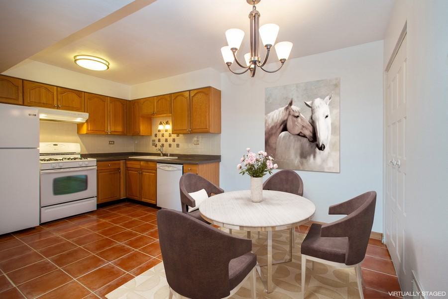 Real Estate Photography - 608 South Waterford Rd, 3A, Schaumburg, IL, 60193 - Kitchen / Dining Room