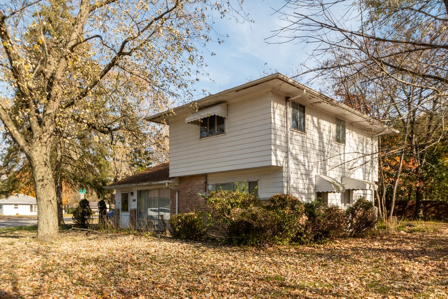 Real Estate Photography - 353 Suwanee St, Park Forest, IL, 60466 - Front View