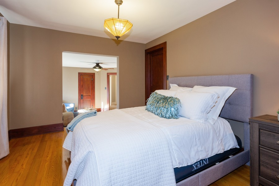 Real Estate Photography - 16 South Wright St, Naperville, IL, 60540 -