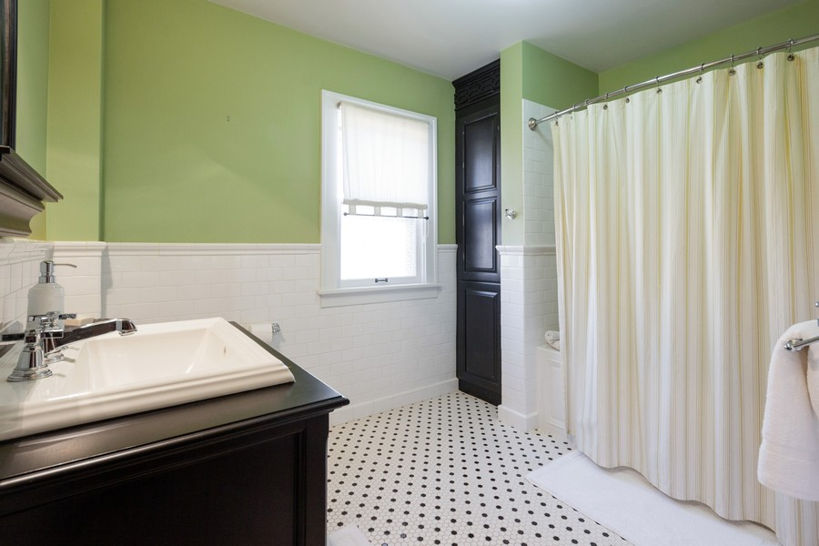 Real Estate Photography - 16 South Wright St, Naperville, IL, 60540 - Bathroom