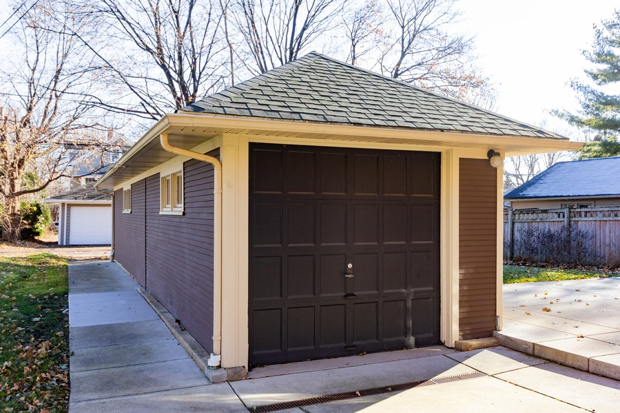 Real Estate Photography - 16 South Wright St, Naperville, IL, 60540 - Garage