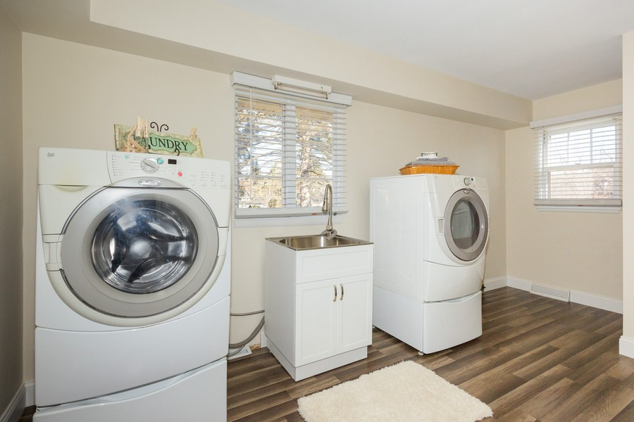 Real Estate Photography - 16 South Wright St, Naperville, IL, 60540 - Laundry Room