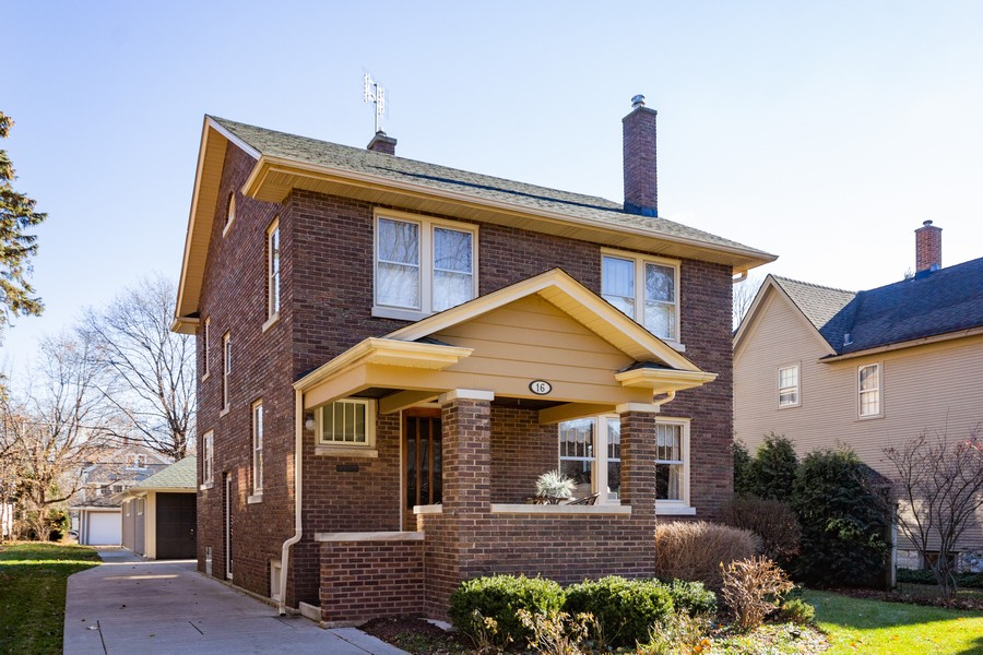 Real Estate Photography - 16 South Wright St, Naperville, IL, 60540 - Front View