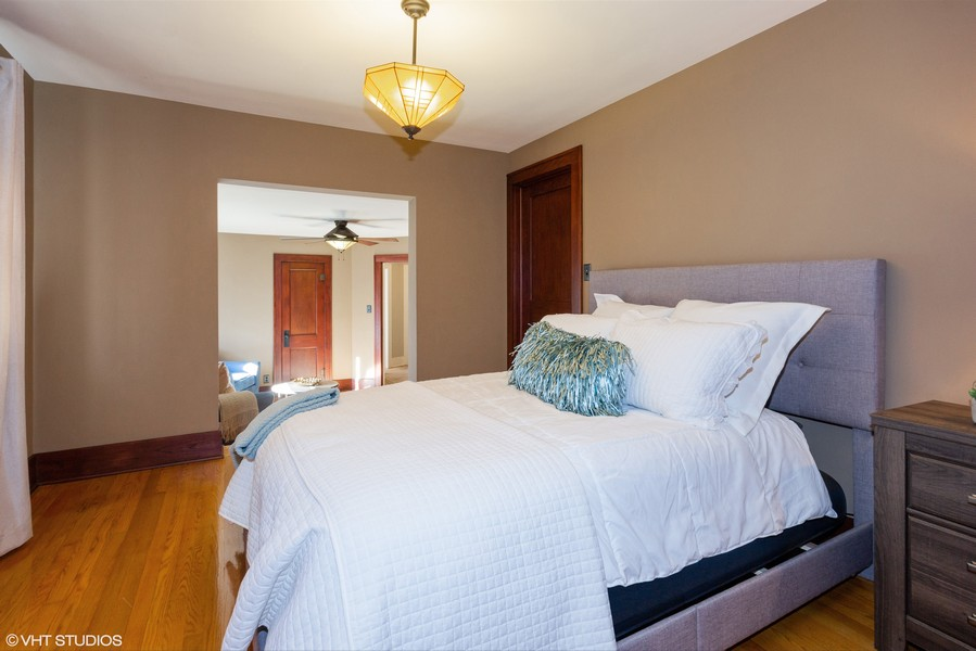 Real Estate Photography - 16 South Wright St, Naperville, IL, 60540 - Master Bedroom