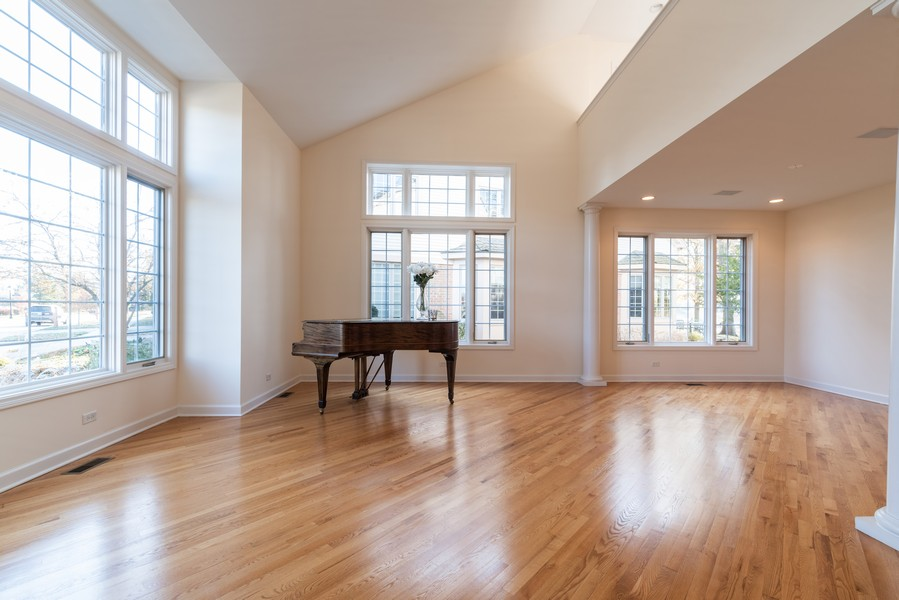 Real Estate Photography - 1917 Westleigh Dr, Glenview, IL, 60025 - Living Room