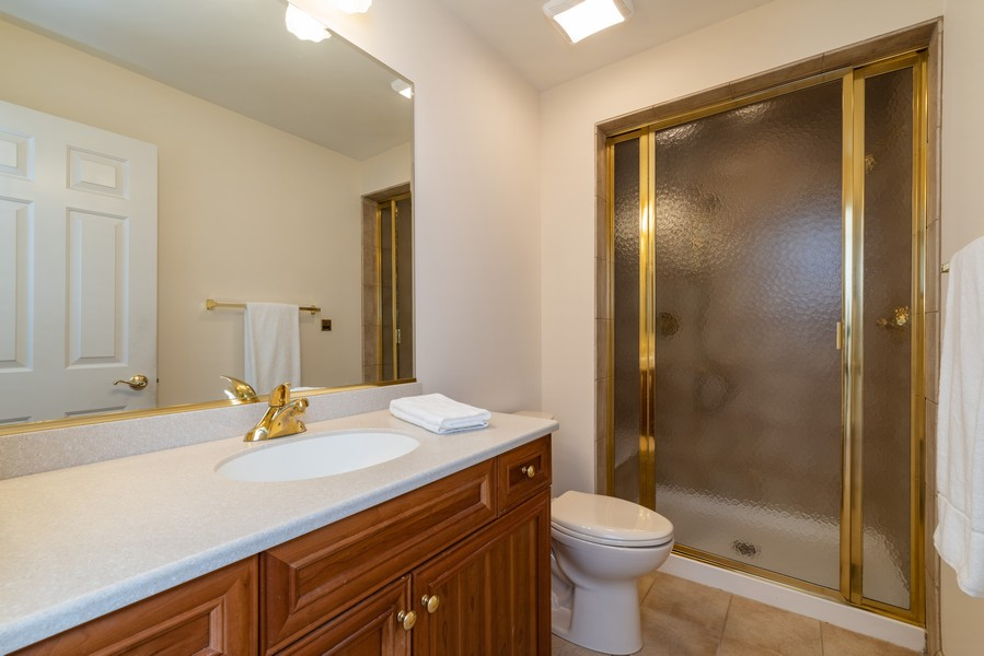 Real Estate Photography - 1917 Westleigh Dr, Glenview, IL, 60025 - 3rd Bathroom