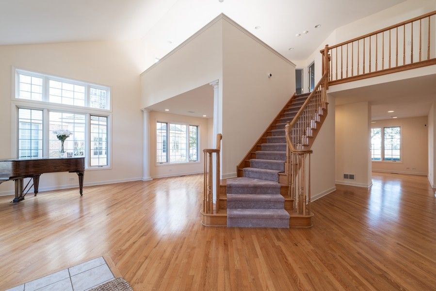 Real Estate Photography - 1917 Westleigh Dr, Glenview, IL, 60025 - Foyer