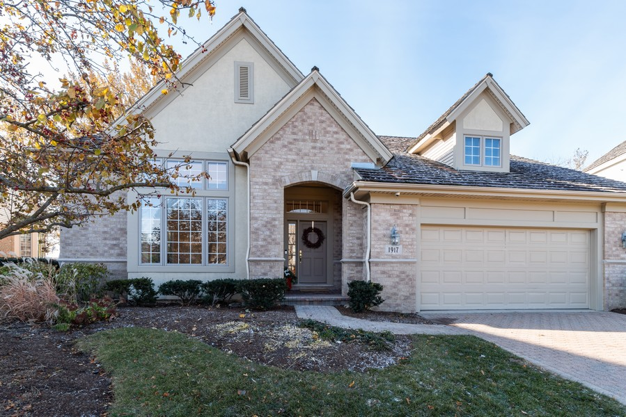 Real Estate Photography - 1917 Westleigh Dr, Glenview, IL, 60025 - Front View