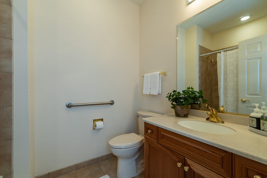 Real Estate Photography - 1917 Westleigh Dr, Glenview, IL, 60025 - Bathroom