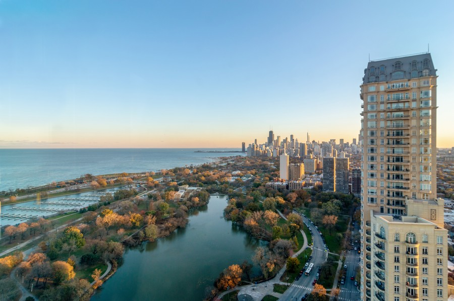 Real Estate Photography - 2626 North Lakeview Ave, 3803, Chicago, IL, 60614 - City View