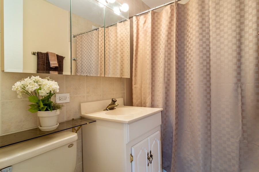 Real Estate Photography - 2626 North Lakeview Ave, 3803, Chicago, IL, 60614 - Master Bathroom