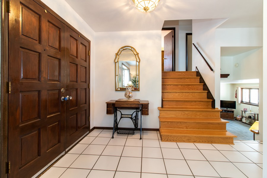 Real Estate Photography - 13572 South 85Th Ave, Orland Park, IL, 60462 - Foyer