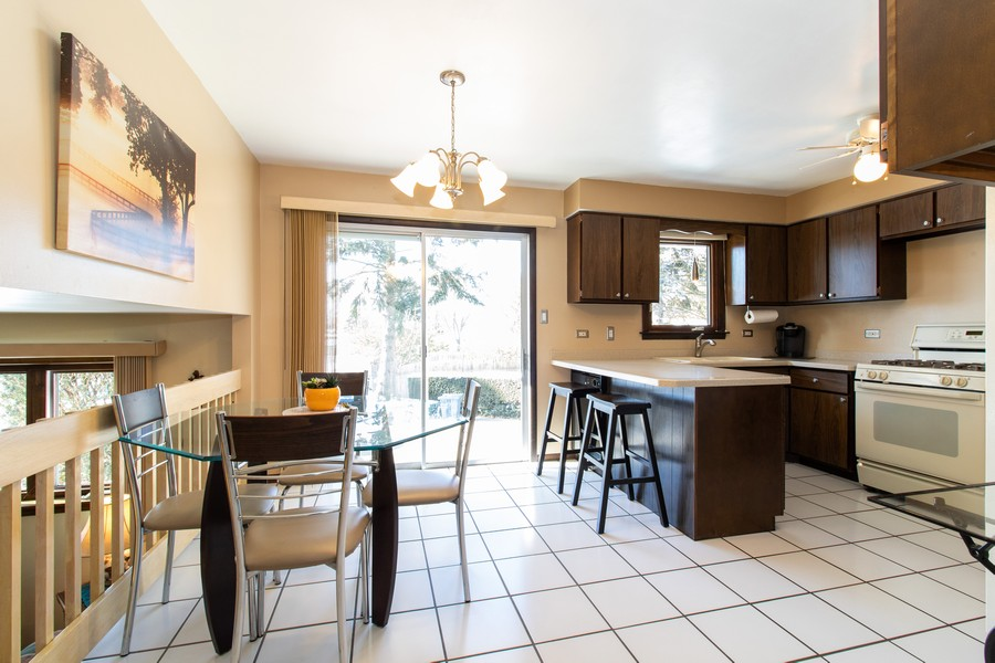 Real Estate Photography - 13572 South 85Th Ave, Orland Park, IL, 60462 - Kitchen