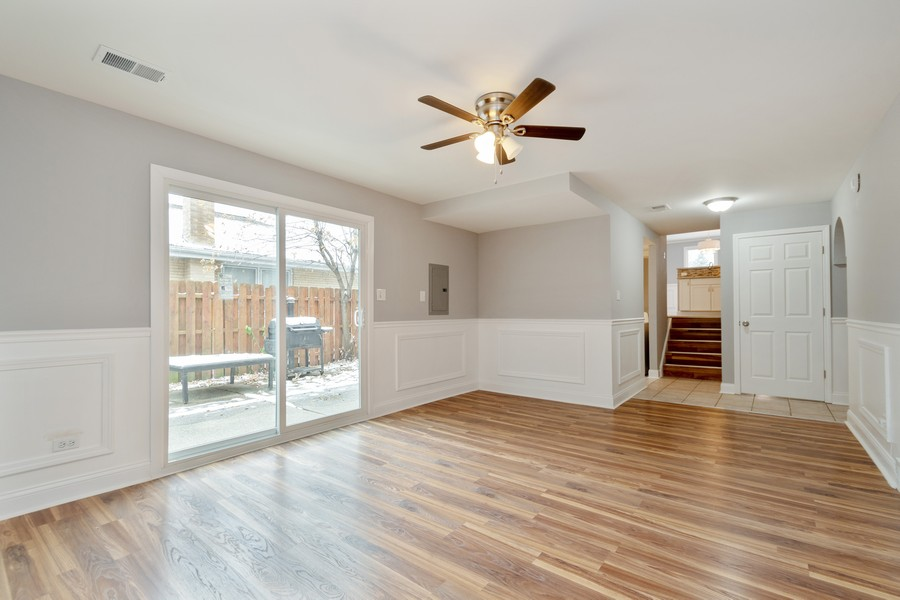 Real Estate Photography - 16507 Ellis Ave, South Holland, IL, 60473 - Family Room