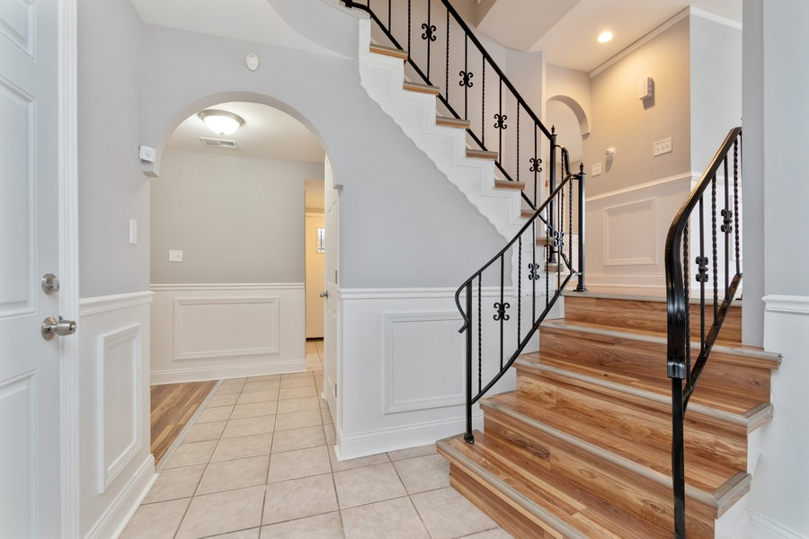 Real Estate Photography - 16507 Ellis Ave, South Holland, IL, 60473 - Foyer