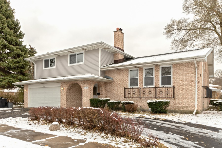 Real Estate Photography - 16507 Ellis Ave, South Holland, IL, 60473 - Front View