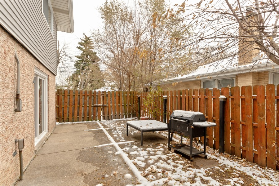 Real Estate Photography - 16507 Ellis Ave, South Holland, IL, 60473 - Patio