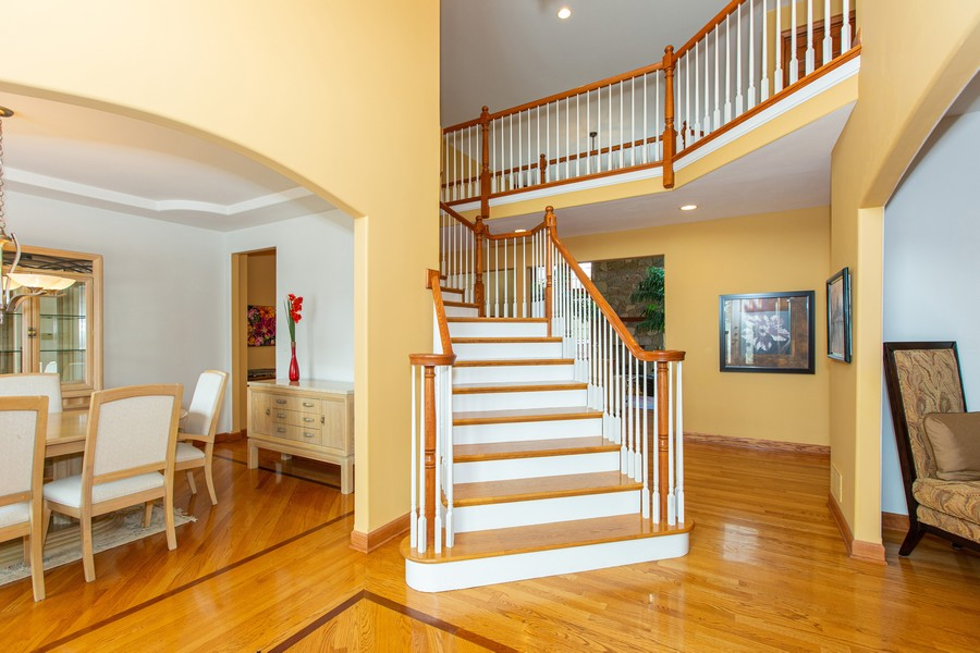 Real Estate Photography - 416 Shadow Creek Dr, Palos Heights, IL, 60463 - Foyer