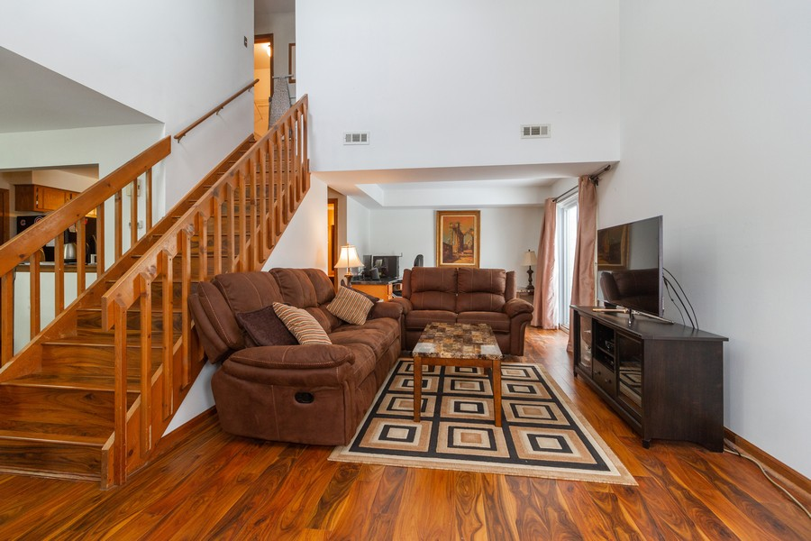 Real Estate Photography - 9222 Whitehall Ln, Orland Park, IL, 60462 - Living Room