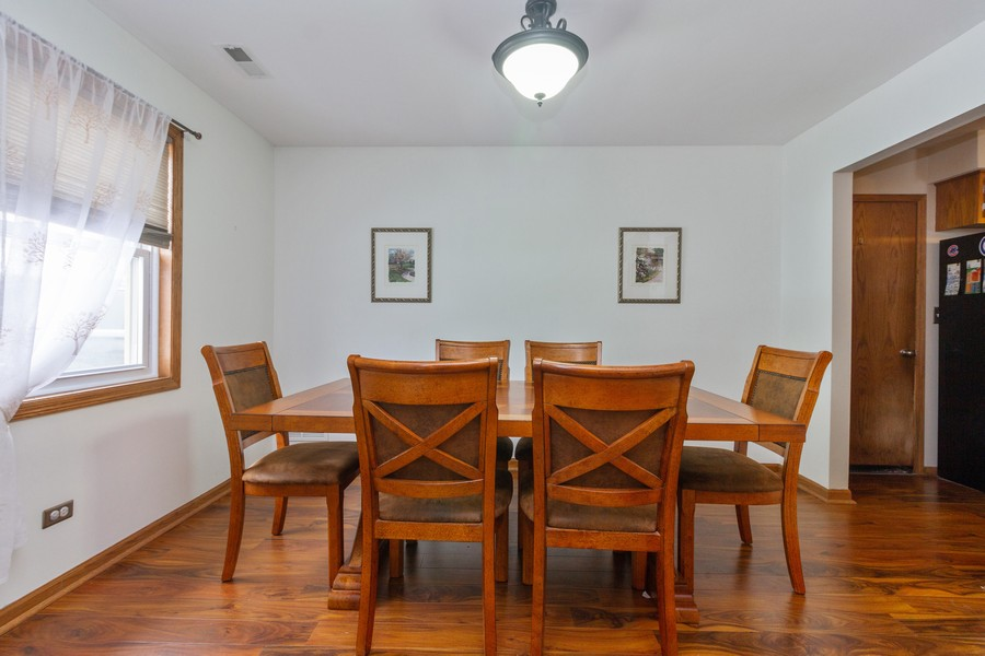 Real Estate Photography - 9222 Whitehall Ln, Orland Park, IL, 60462 - Dining Room