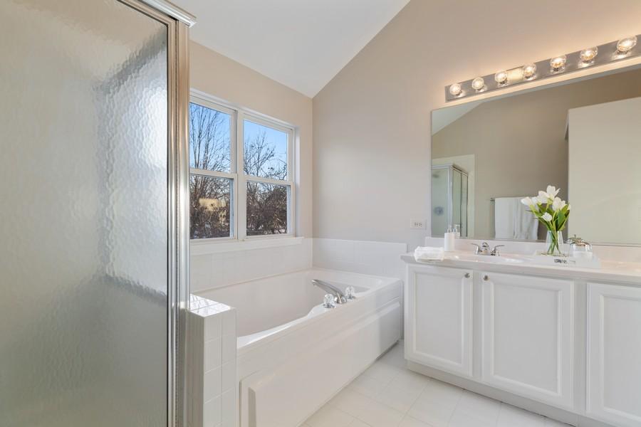 Real Estate Photography - 191 Wellington Ct, Grayslake, IL, 60030 - Master Bathroom