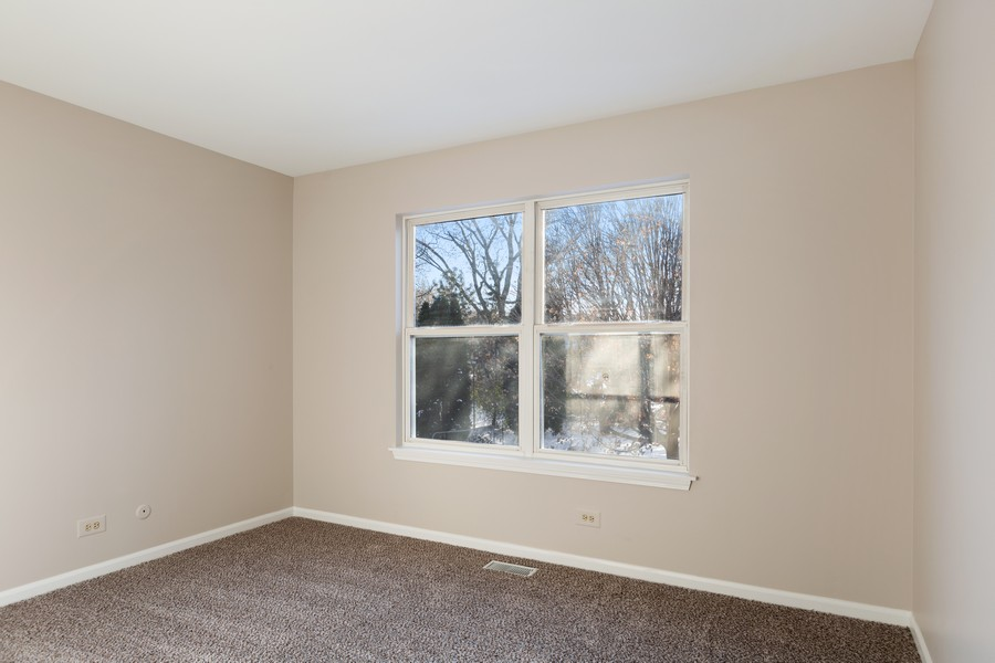 Real Estate Photography - 191 Wellington Ct, Grayslake, IL, 60030 - 4th Bedroom