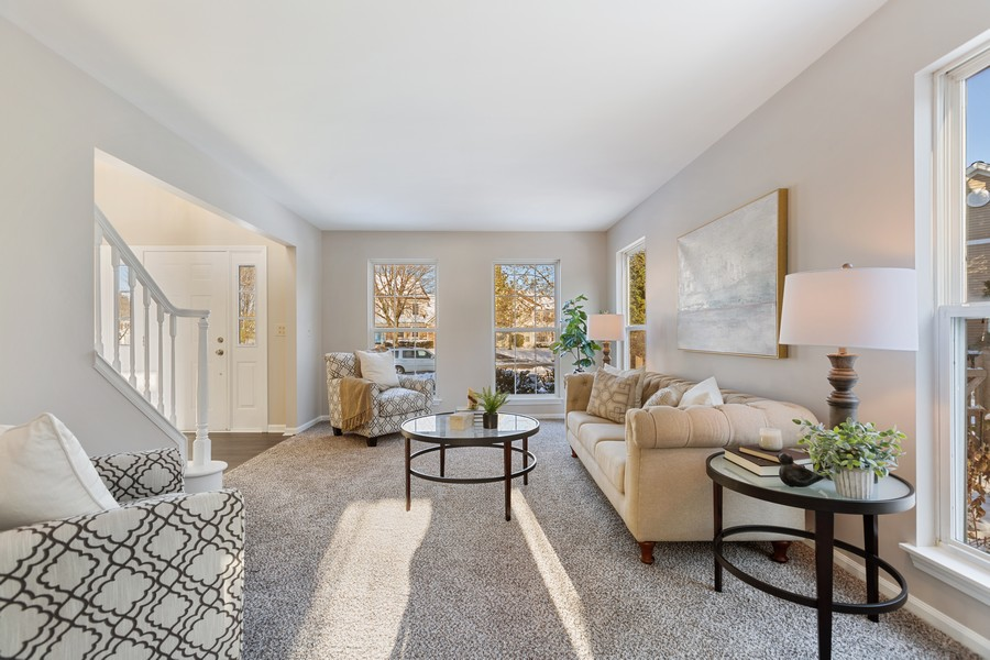 Real Estate Photography - 191 Wellington Ct, Grayslake, IL, 60030 - Living Room